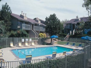 apartments in denver: hickory ridge